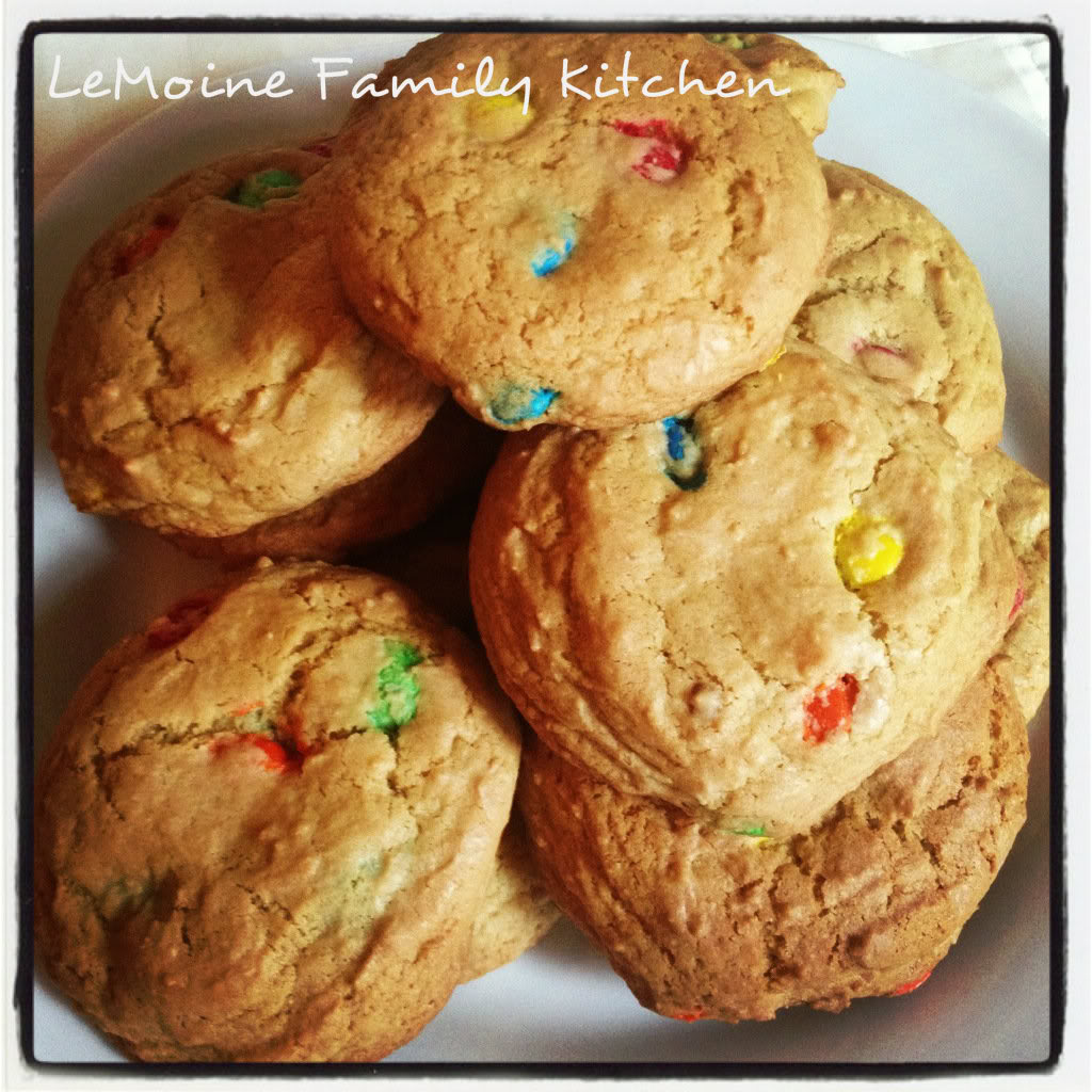 Treat yourself to a batch of these delicious Easy Chewy M&M Cookies! These are sure to fly off the plate! Nice crunch on the outside, chewy inside.